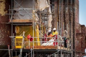 הקפדה על בטיחות בבניה קלה
