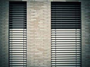 התקנת חלונות אלומיניום בבניה קלה